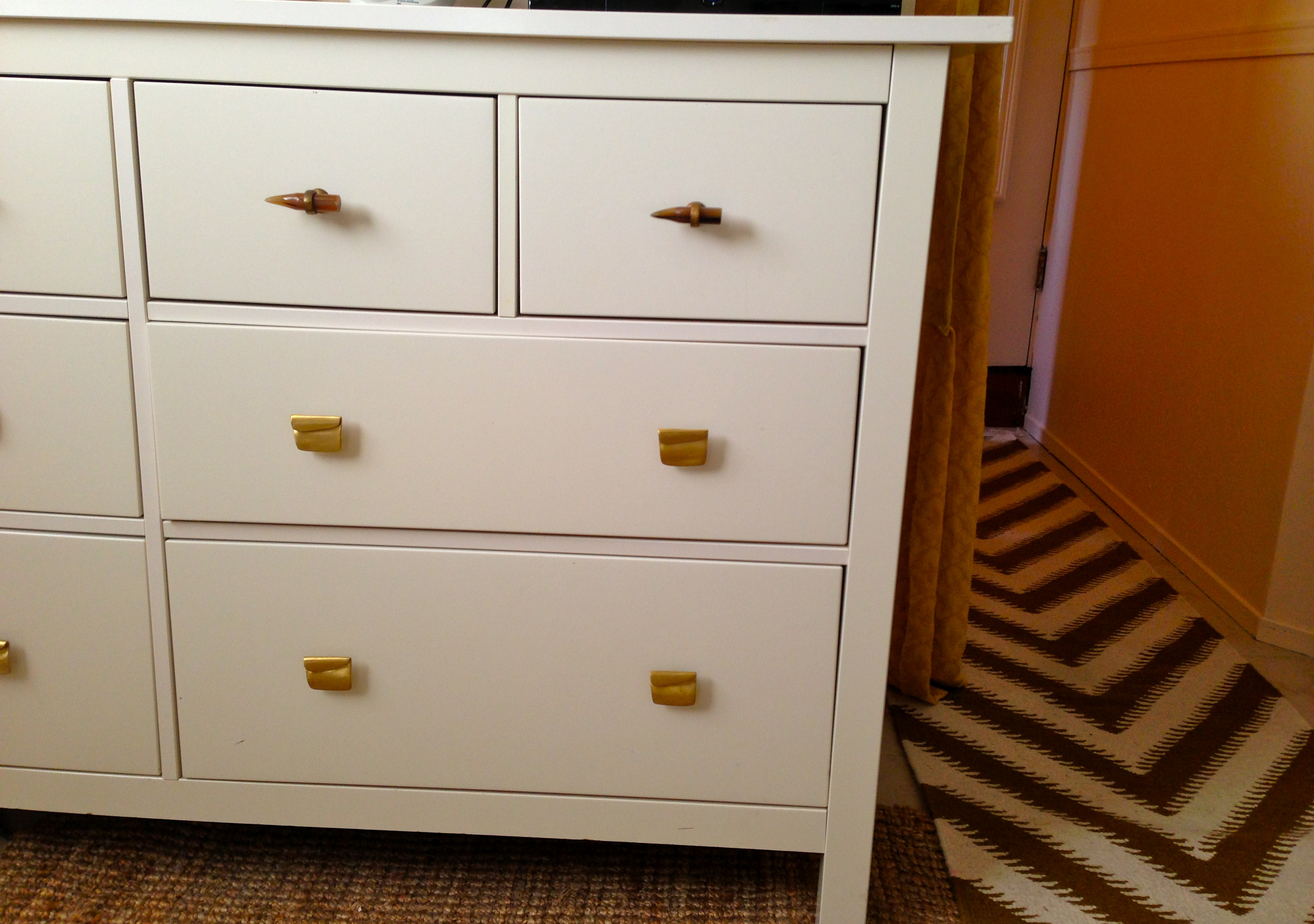 What Is The Best Paint To Paint Old Dresser Pulls